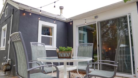 ★Gorgeous getaway in the heart of Coralville★