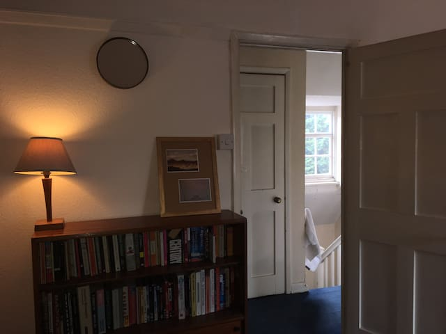 Large double room in Hampstead Garden Suburb
