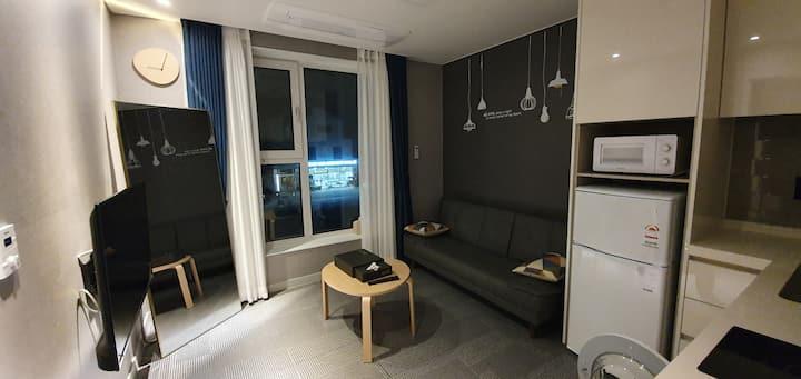 영종도펜션 3인실/비대면입실/독립공간/호텔식비품/유럽식조식제공/실내&야외BBQ/취사도구완비