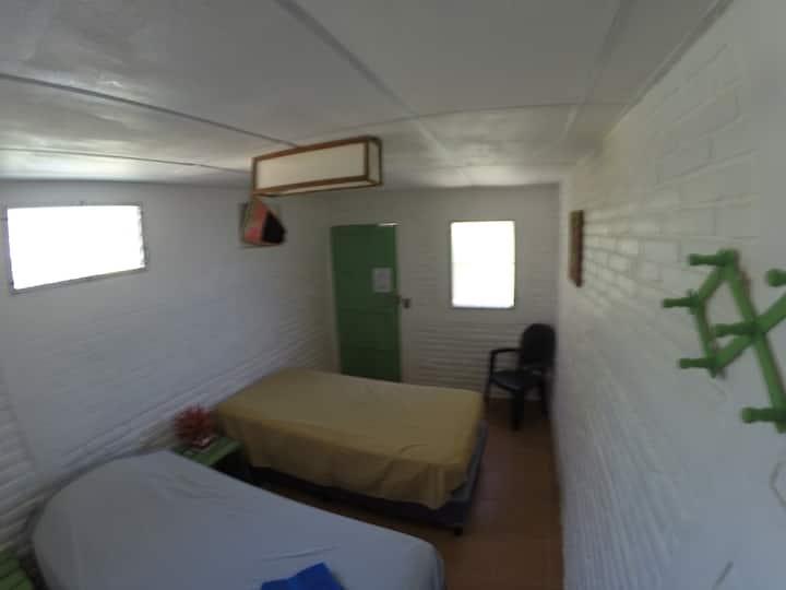 Private room (6'5)