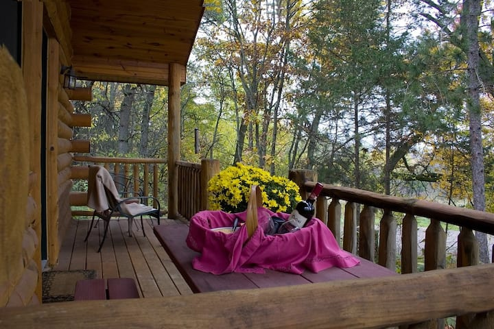 Tamarack Guest House - Hay Creek Cabins