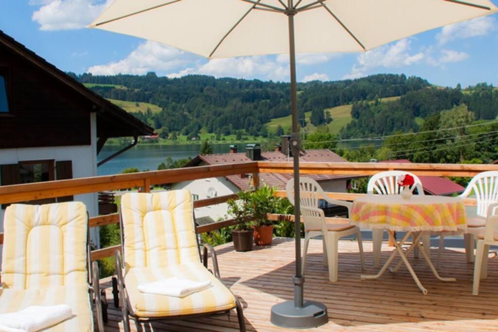 22qm große Veranda/Dachterrasse mit Seeblick