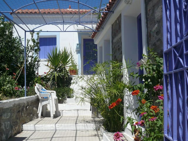 Charming modernised village house - Eresos - Dom