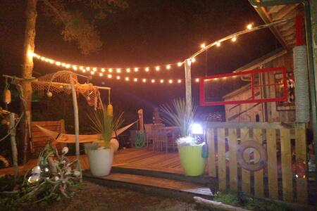 -Great Indoor/Outdoor Space-Deck/BBQ/Firepit/Wifi- - Grayland - กระท่อม