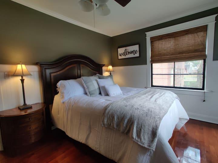 Cozy Cottage Riverside