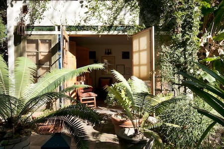 Pasadena Foothills Oasis Art Studio - House