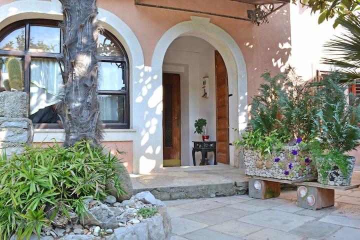 Appartement d'une chambre avec la terrasse Veli Losinj (Losinj) (A-8029-b)