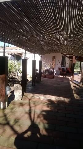 VILLETTA A PORTOSCUSO INDIPENDENTE A 950M DAL MARE - Portoscuso - Villa
