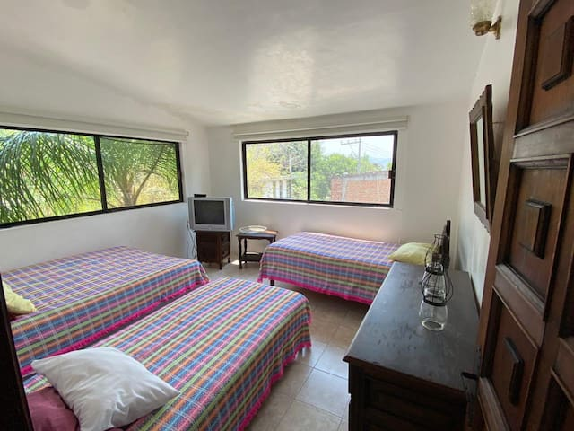 Cuarto 3 : 3 camas individuales