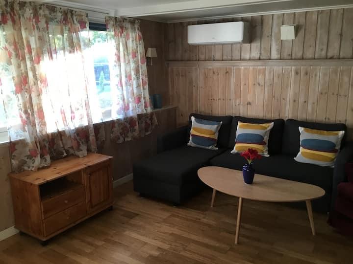Hybel leilighet til leie, egen inngang.