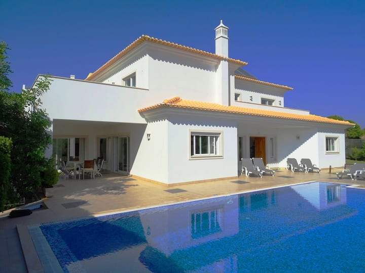 Villa Marazul, games room, private pool, AC, WiFi
