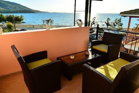Sea View Apartment Plataria