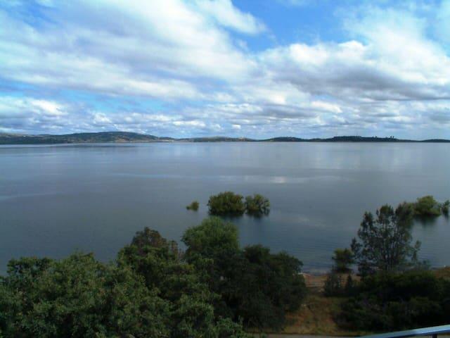 Lakefront! 2 bd *Panoramic views* - Granite Bay - Hus
