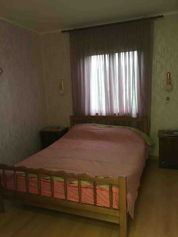 Комната 1 двухспальная кровать