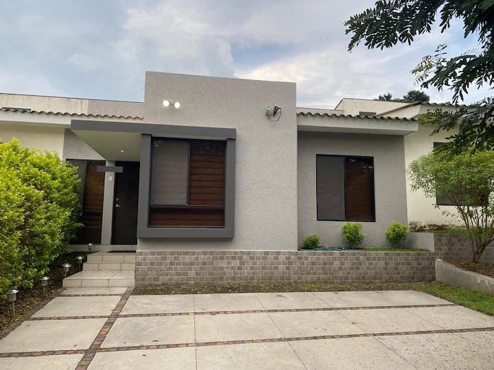 Habitación individual cómoda y acogedora