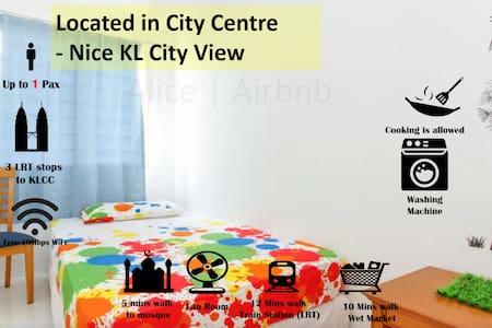 KLCC View Fan Room Fast Internet | 3 Stops to KLCC - Kuala Lumpur