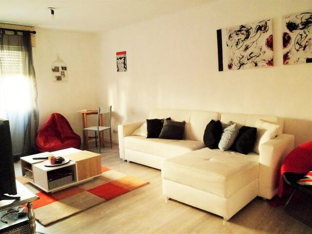 Apartment near to city, comfortable and quiet.