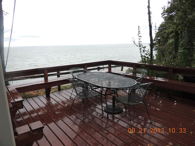 Lakefront Home on Lake Erie