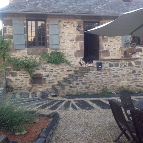 Chocolatine cottage - Lascaux - Hus