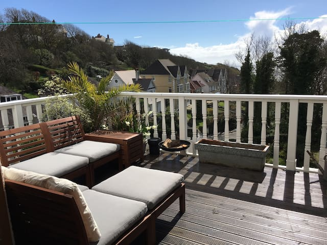 Beautiful Seaside Retreat! Gower (sleeps 15+)