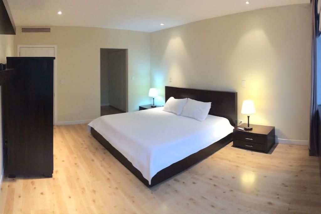 Dormitorio Master (con cortinas eléctricas)