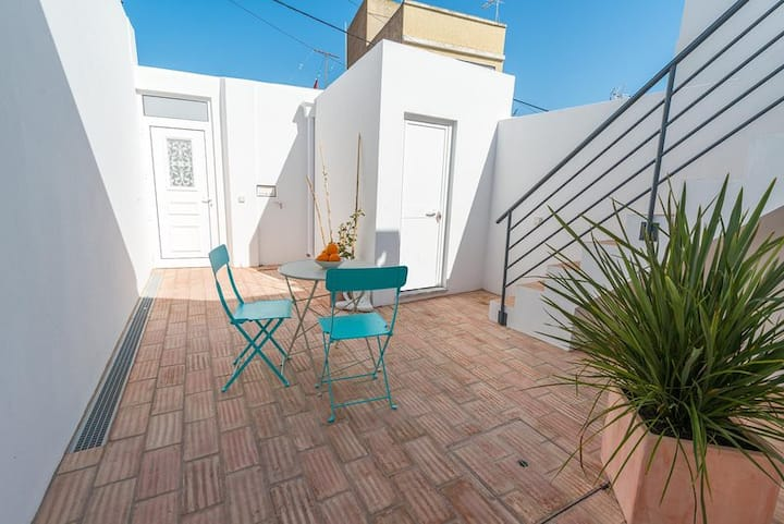 Cozy typical restored 2bedroom house single storey 5 min from the Fuseta Beach
