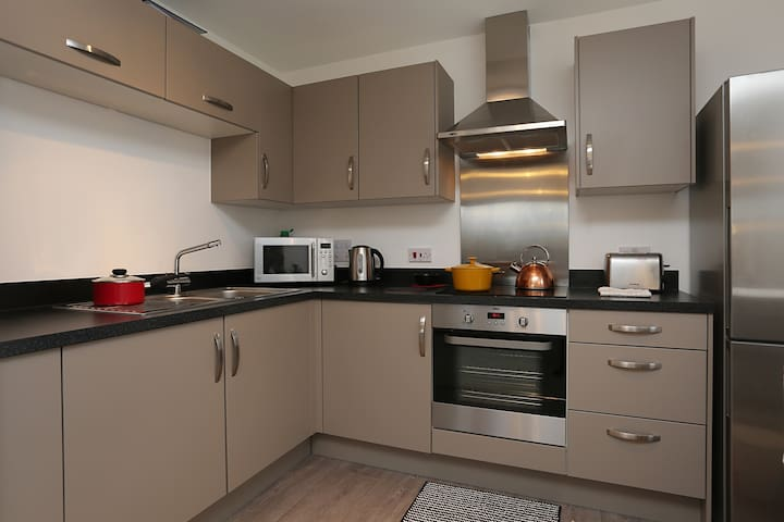 Brand New all White 2 Bed Apartment - Belvedere - Flat