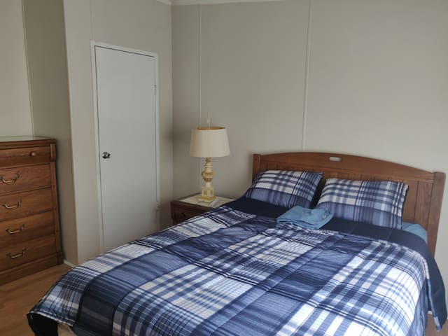 Comfy Room in the vicinity of Orange Park FL(1)