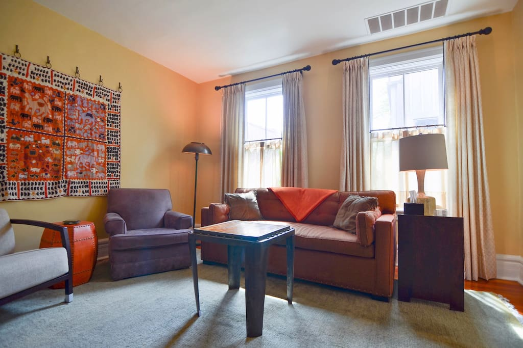 Eclectic Bucktown Retreat Apartments For Rent In Chicago Illinois United States