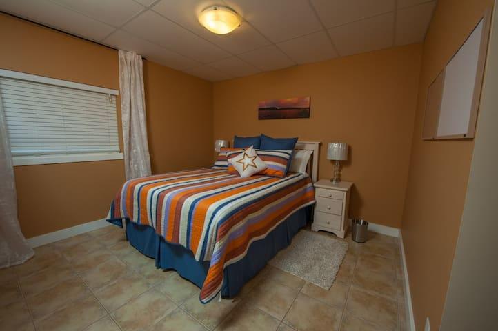 Bedroom 6 Queenbed