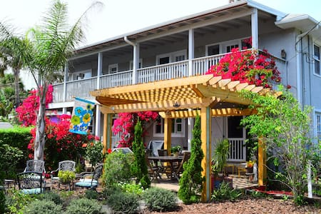 The House on Crawford Ocean Peek - 뉴스머나비치 - 아파트