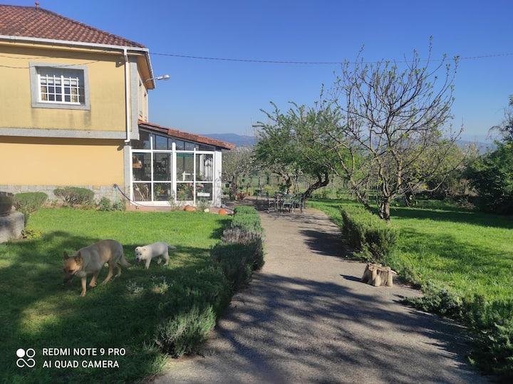 Casa en entorno tranquilo y vistas espectaculares