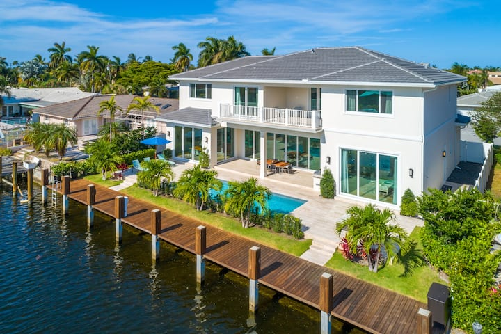 $8 Million Waterfront Home Private Pool & Dock