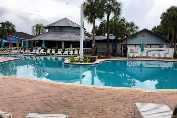 Palms at Paradise Lakes Resort-clothing optional