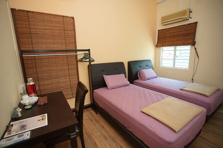 Ming Yuan Home Stay 茗緣客棧 - Green Bamboo Room (青竹轩) - Kuala Lumpur - House