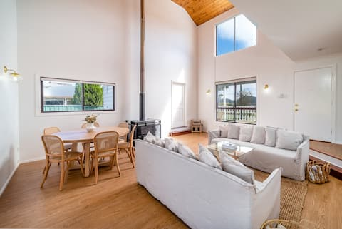The Hideaway- Fully self contained house