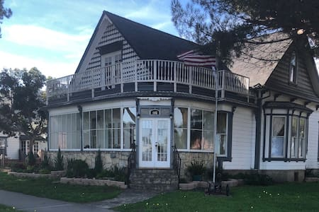 Haven House in historic downtown Lompoc. Enjoy!