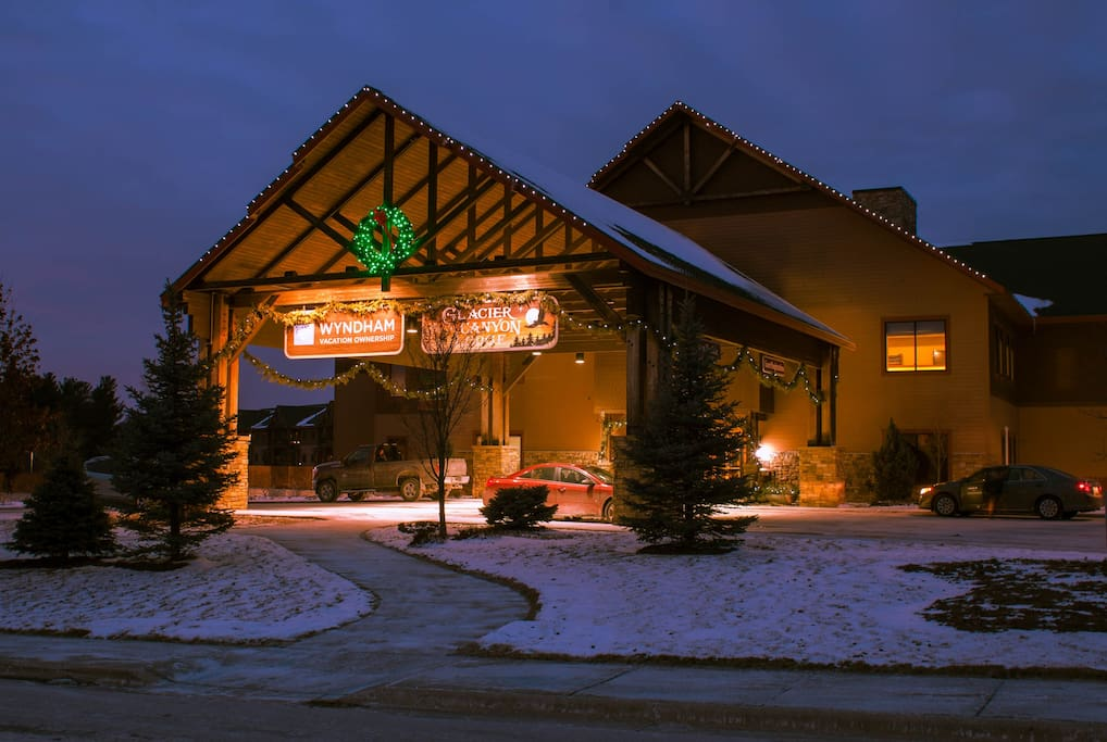 Wyndham Glacier Canyon 1 Bedroom Deluxe Resorts For Rent In Baraboo Wisconsin United States