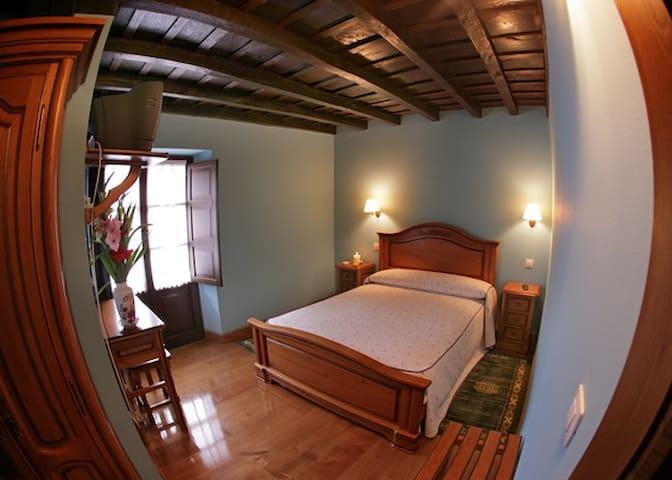 HABITACIÓN CAMA DE MATRIMONIO - Puentenansa - Bed & Breakfast
