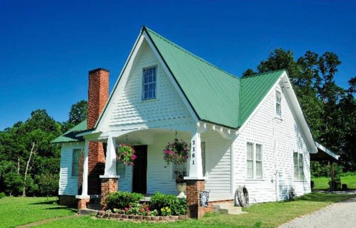 Little House on Main