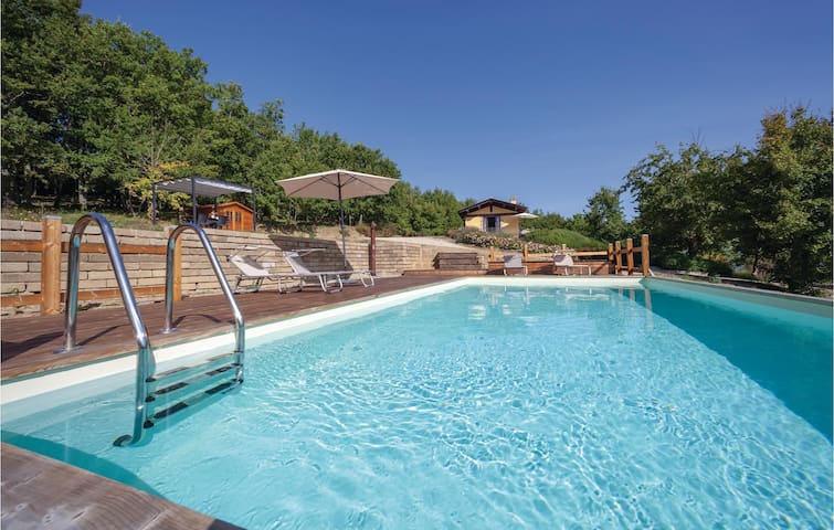 Holiday cottage with 2 bedrooms on 80m² in Città di Castello -PG-