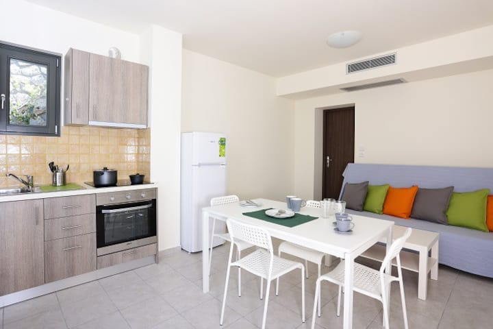 Two Bedroom Apartment with Sea View- Ithaca's Poem
