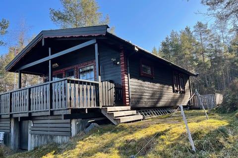 Koselig hytte i naturen, ved Storavatnet, Osterøy
