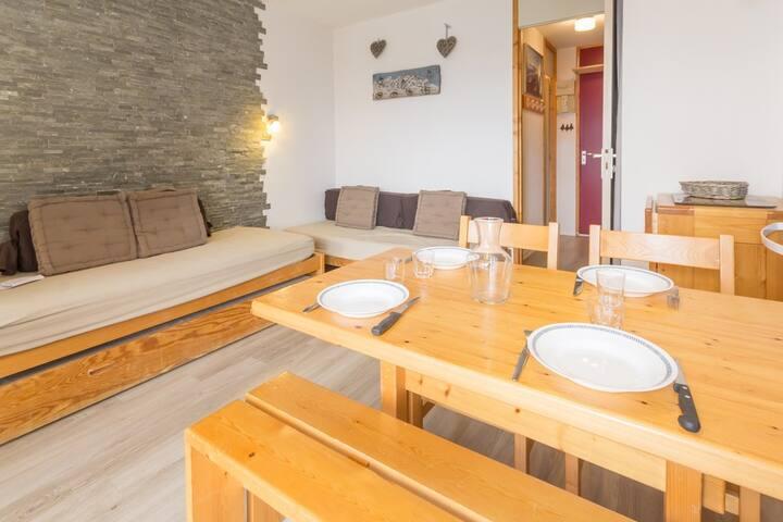 Pretty studio with small terrace