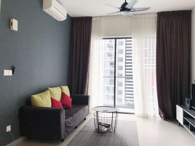 Single Room @ Petalz Residence near Midvally