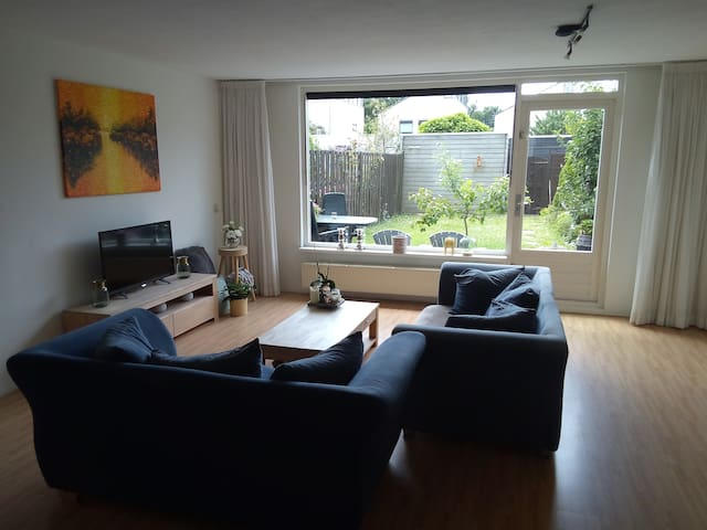 Complete cozy house 25 minutes from Amsterdam