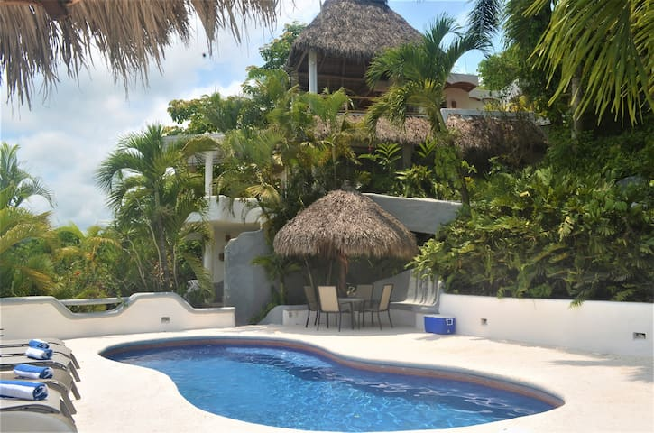 Casa de las Flores Private Property, 5 BDR, Pool