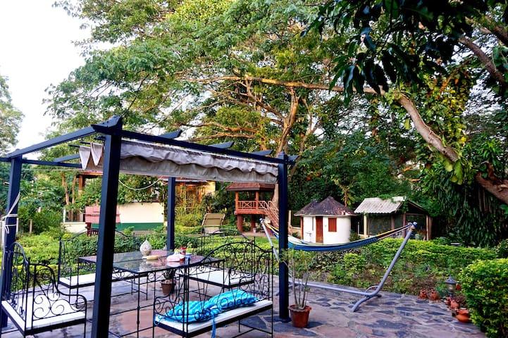 Evergreen Pakchong Retreat 5BR (6-20ppl) 300 msq. - Pak Chong - Dům