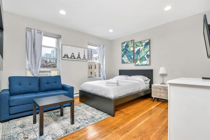 === COZY NEWLY FURNISHED STUDIO = MIDTOWN ===