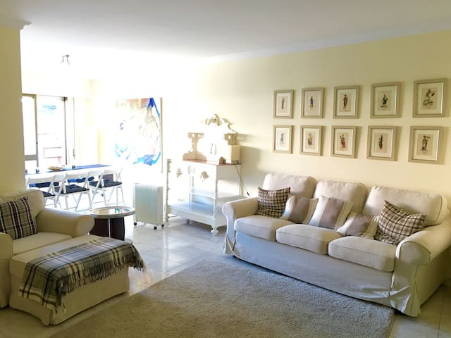Bright modern apartment with pool - Lisboa - Byt
